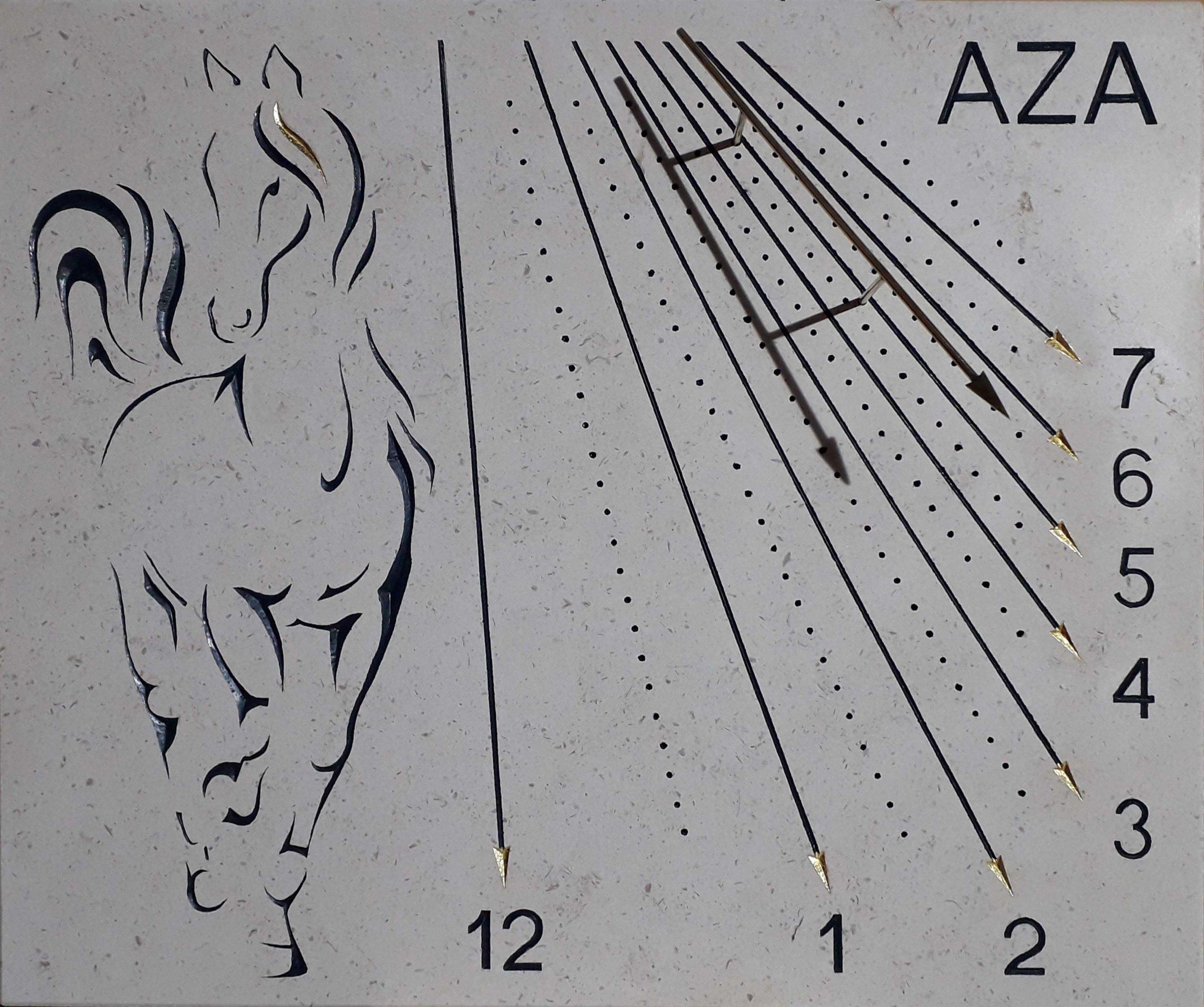 Cadran solaire en pierre de Bourgogne avec gravure d'un cheval et le nom de celle-ci