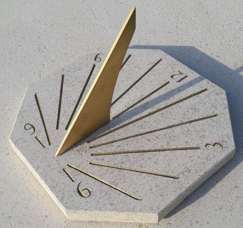petit cadran solaire horizontal