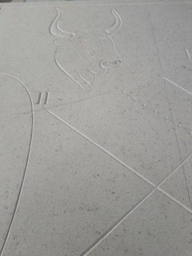 Gravure du Taureau du Cadran Solaire Taureau / Chimère