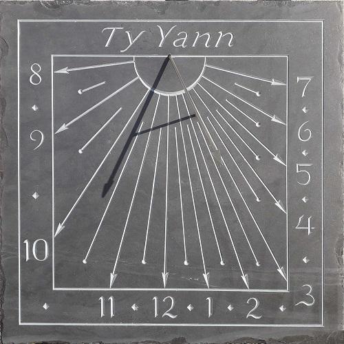 Cadran solaire en ardoise